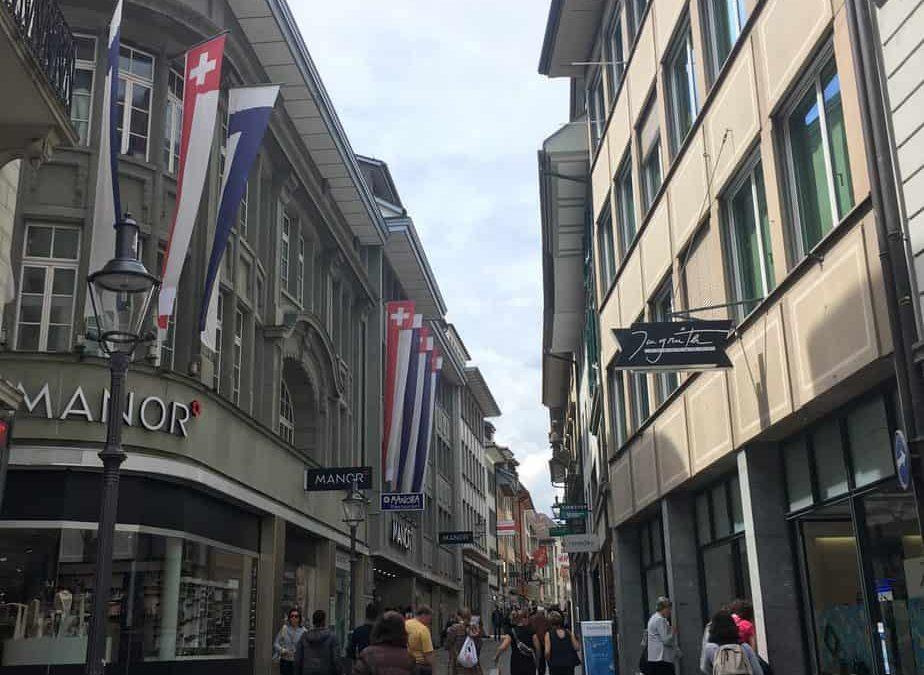Luzern: Manor Department Store
