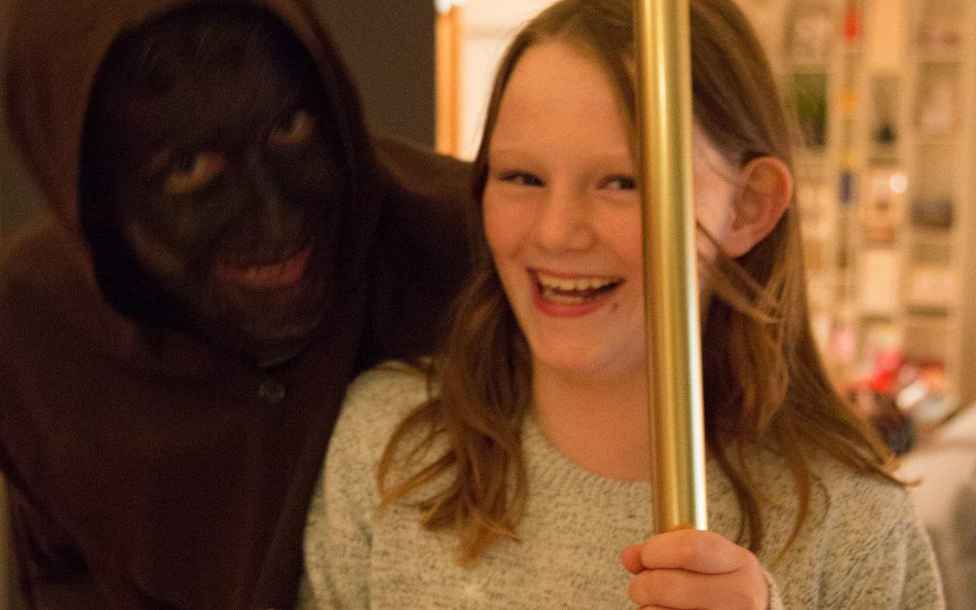 Fun – Samichlaus Visits the Girls